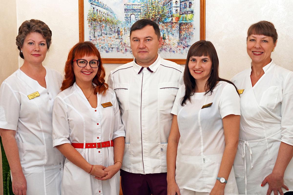 """Коллектив стоматологии """"Дент Арт"""""""